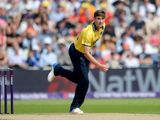 Woakes Plays Champion Role in Unlikely Victory